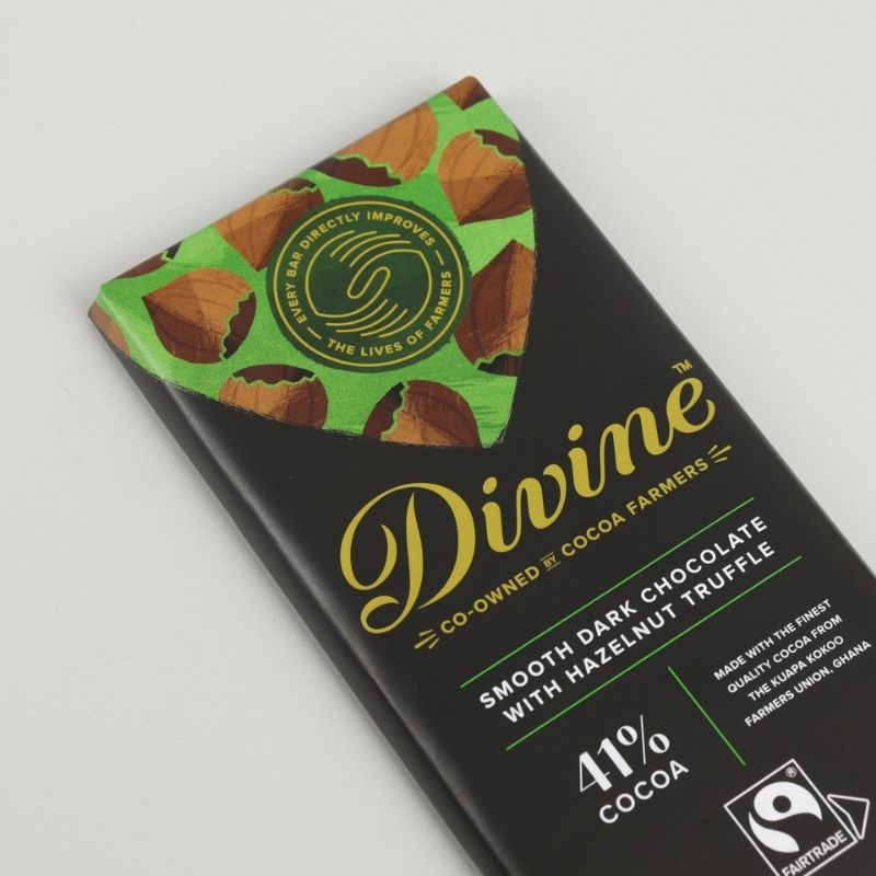 DIVINE FAIRTRADE DARK HAZELNUT TRUFFLE CHOCOLATE BAR 90G