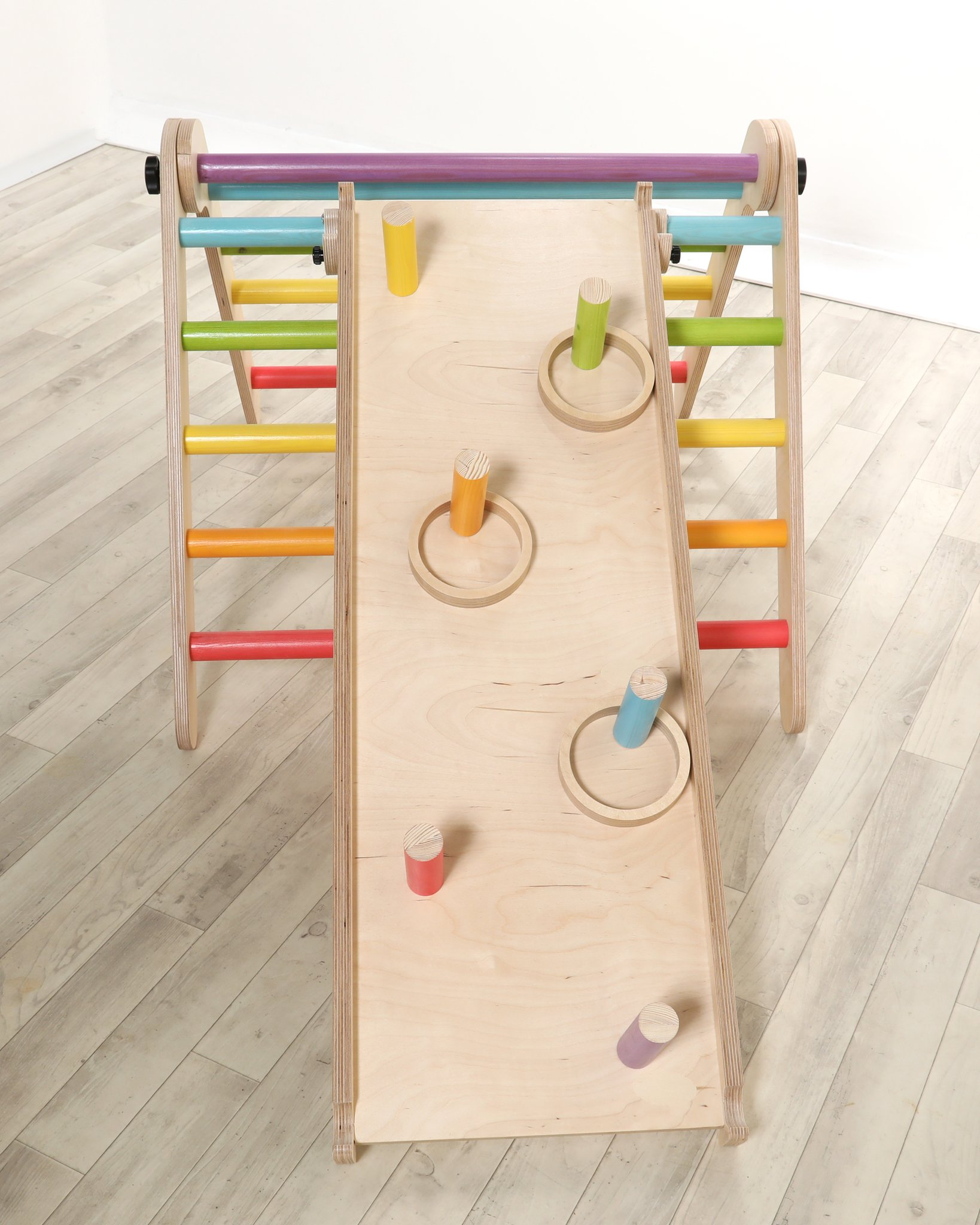 SAWDUST & RAINBOWS RING TOSS FOR SLIDE - RAINBOW